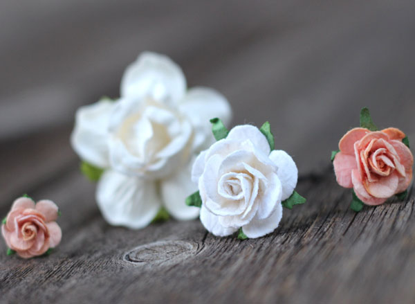 Peach and Ivory Flower Hair Pins