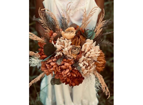 Rust terracotta peach wedding bouquet | Bridal fall boho wedding